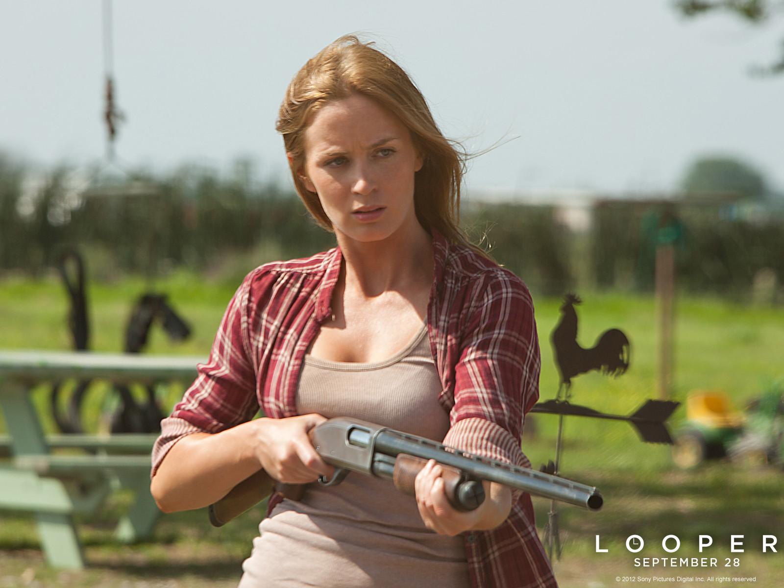 Emily Blunt v filmu Časovna zanka (Looper)