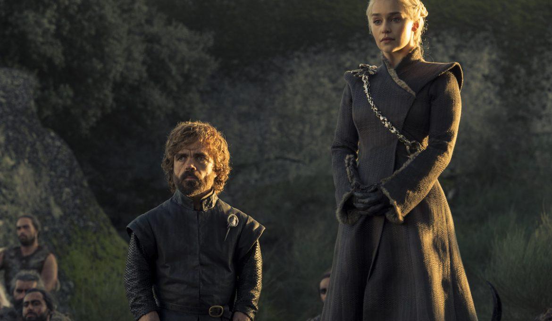 Tyrion Lannister (Peter Dinklage) in Danerys (Emilia Clarke) v Igri prestolov.