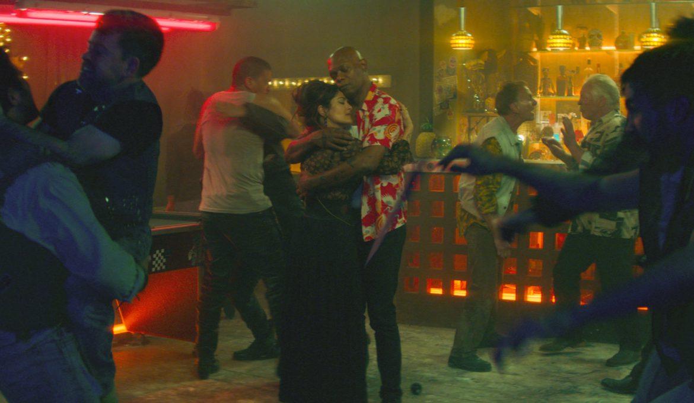 Samuel L. Jackson in Salma Hayek krij mi hrbet hitmans bodyguard v filmu krij mi hrbet (hitmans bodyguard)