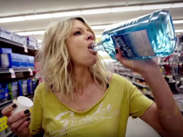 kaitlin olson v seriji mick (the mick) na fox life