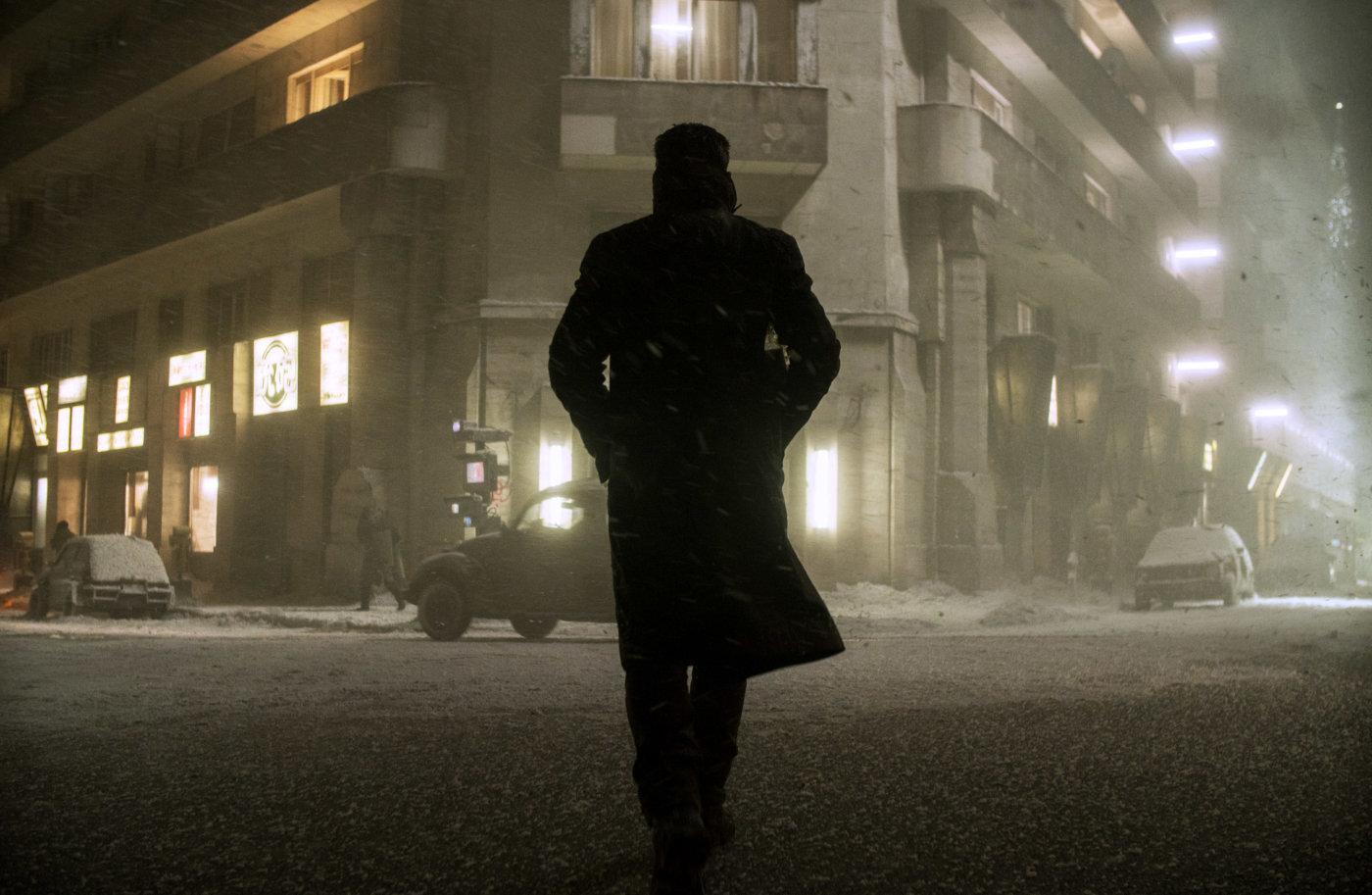 Ryan Gosling v filmu Blade Runner.