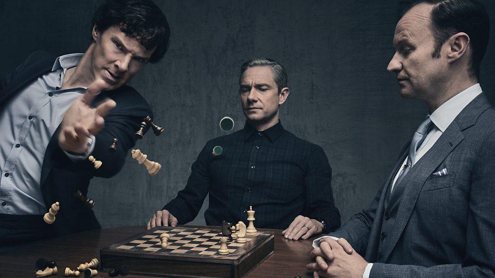 Benedict Cumberbatch, Martin Freeman in Mark Gatiss v seriji Sherlock.