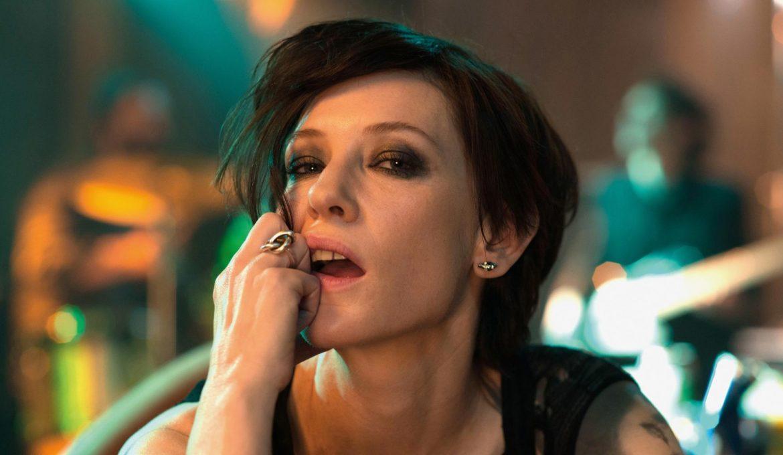 Cate Blanchett v filmu Manifest.