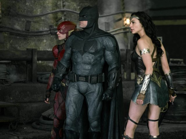 wonder woman batman in flash v filmu liga pravičnih (justice league)
