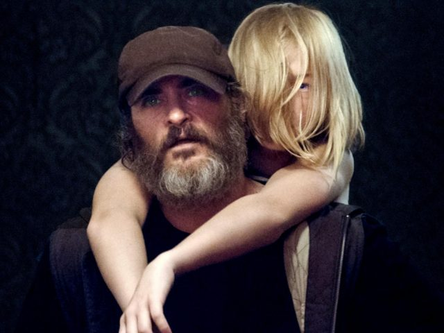 Joaquin Phoenix v filmu Nikoli zares tukaj (You Were Never Really Here)