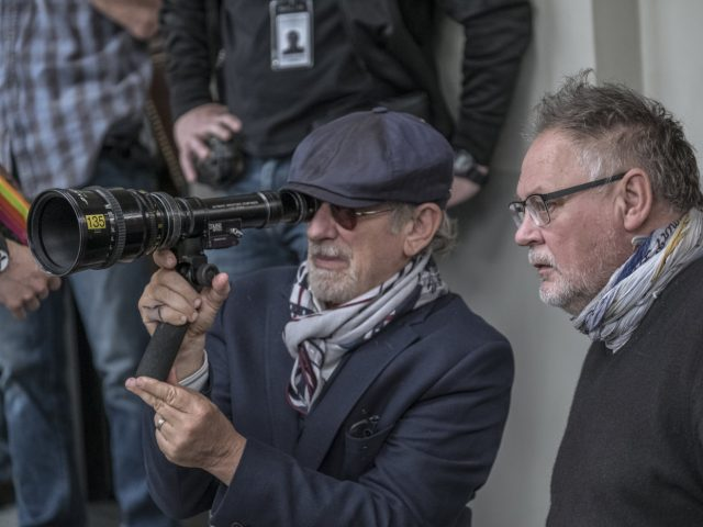 Steven Spielberg an snemanju filma Zamolčani dokumenti.