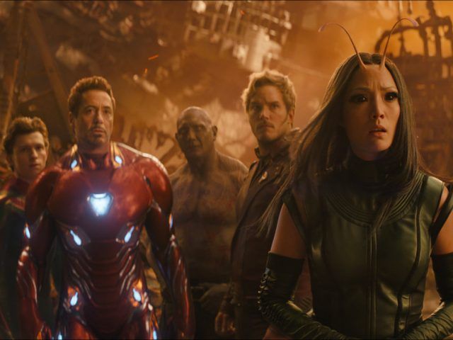 Scena iz filma Maščevalci: Brezmejna vojna (Avengers: Infinity War): varuhi galaksije spider-man iron man