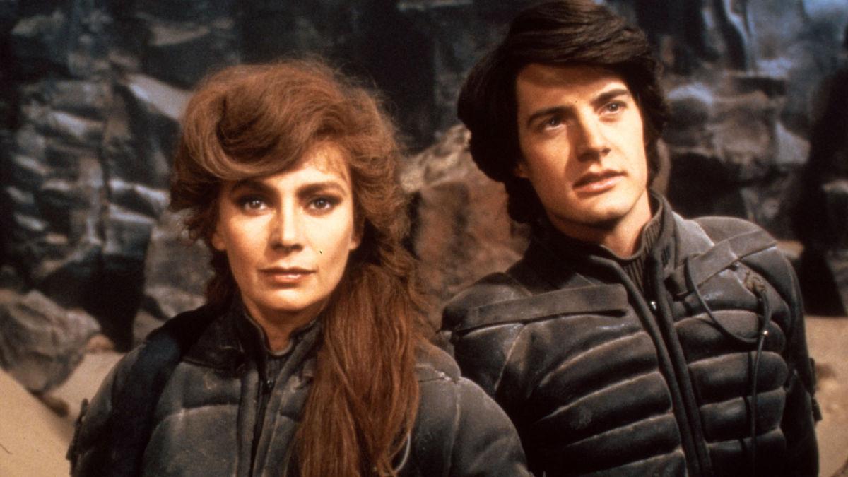 Paul in Jessica Atreides v filmu Dune Peščeni planet