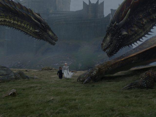 Jon Sneg in Daenerys Targaryjen v seriji Igra prestolov